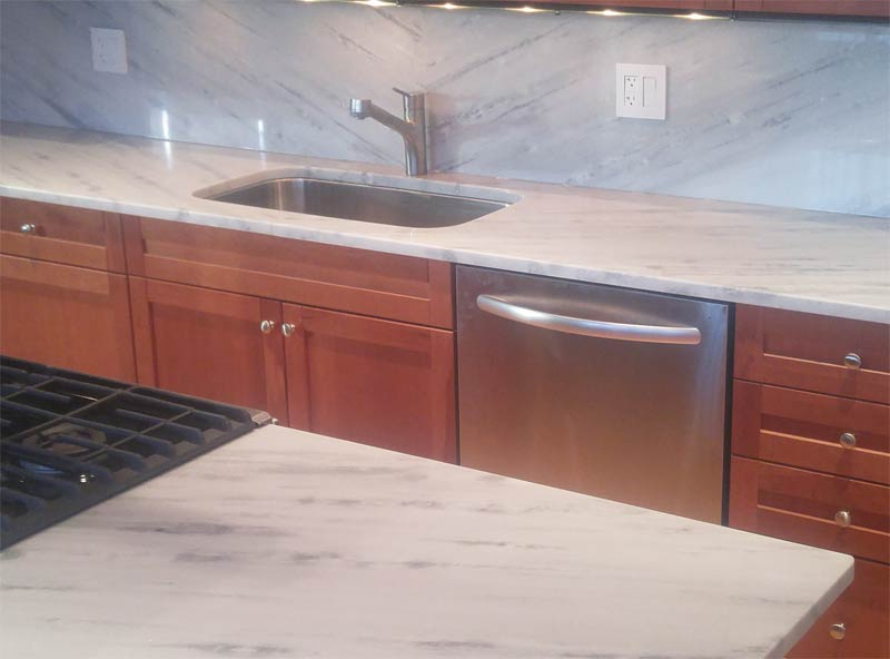 Superwhite-quartzite-Kitchen-countertops-chicago