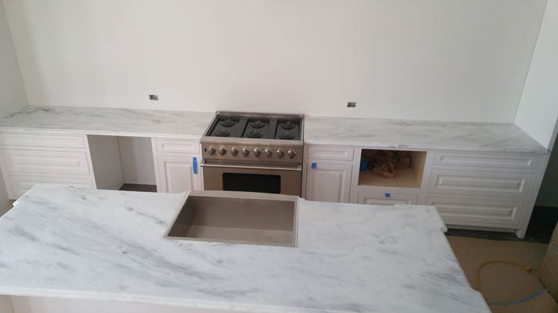 Superwhite-quartzite-Kitchen-countertops